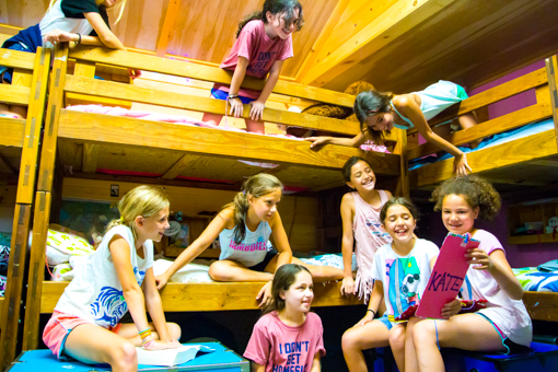 laughing-campers-cabin-bunks-2